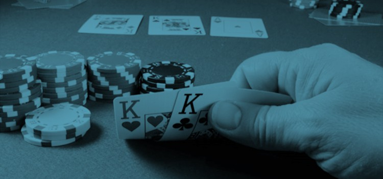 17 pros and 15 cons of a career in poker 2019 image